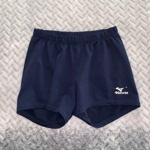Pants - Fitting athletic shorts
